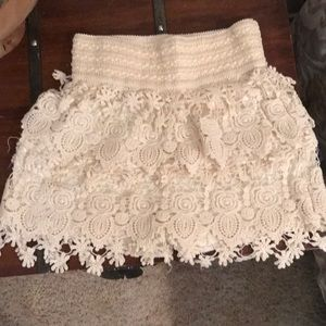Pants - cream/off white lace shorts